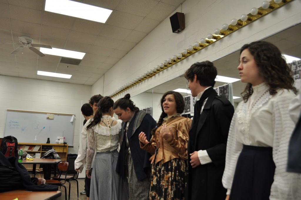 Photo Gallery: fall play preview