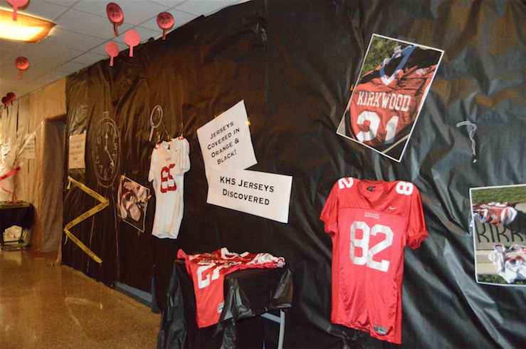 Jerseys+in+the+hall+as+clues