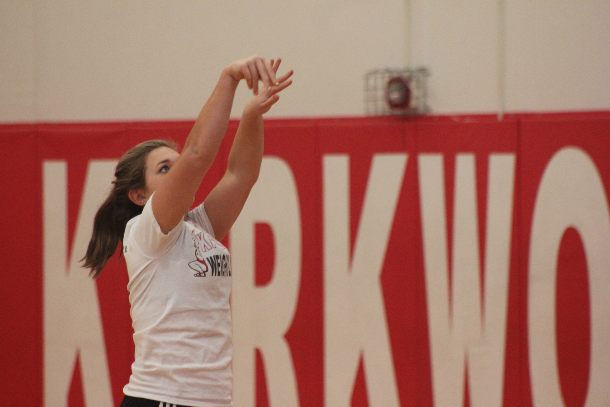 Brooke+Riggles%2C+sophomore%2C+watches+her+shot+make+it+into+the+net+during+JV+girls+basketball+practice.