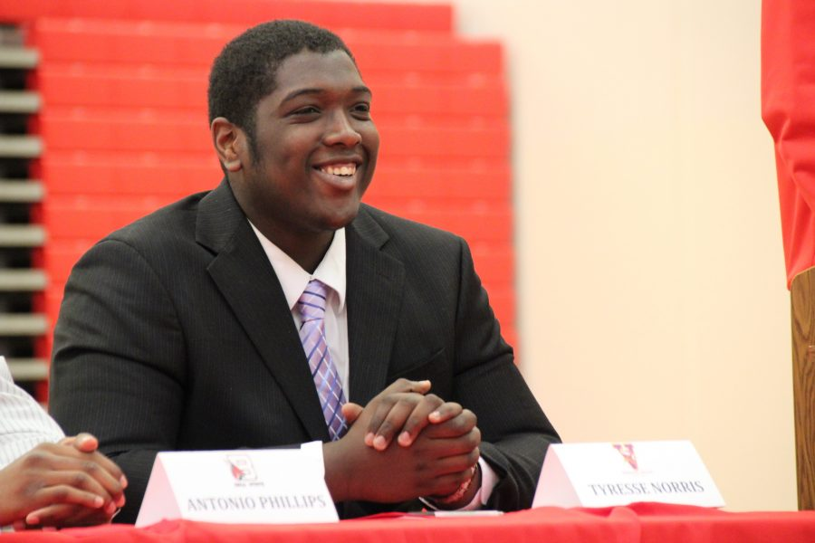 Tyresse Norris, senior, commits to play football at Missouri Valley College.