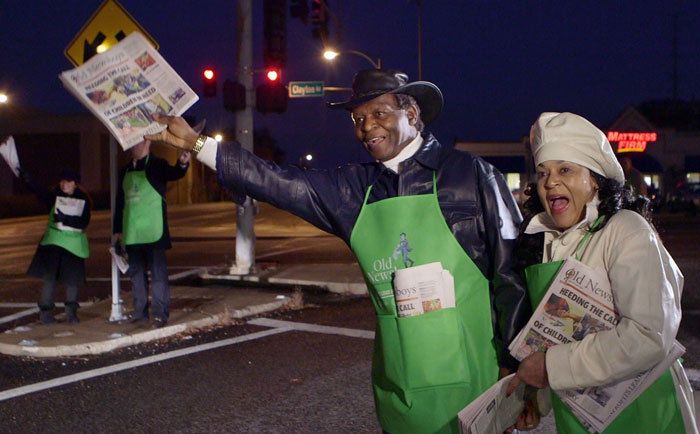 Old+Newsboys+Day+charity+newspaper