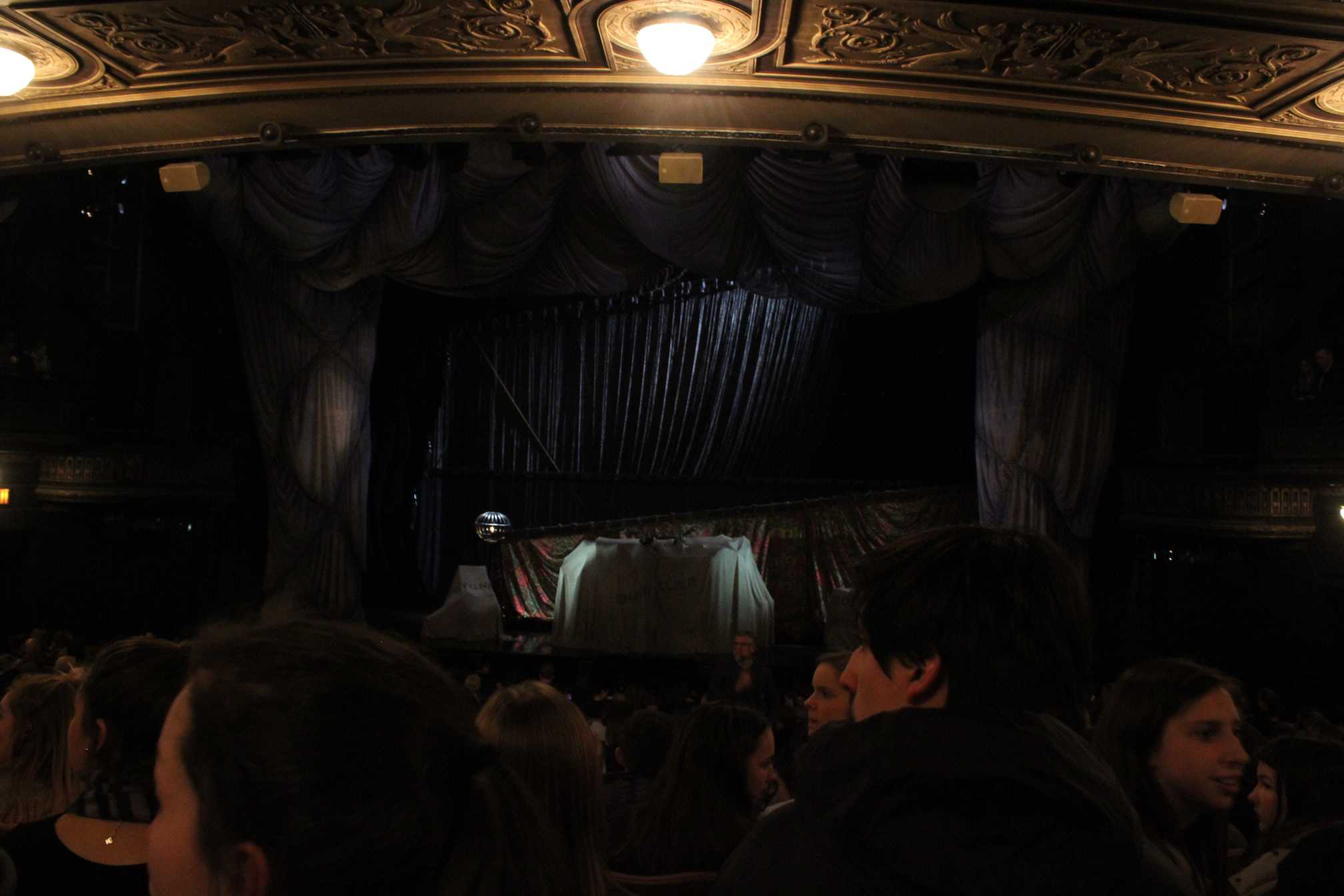 The+stage+before+the+Broadway+show%2C+Phantom+of+the+Opera%2C+began.