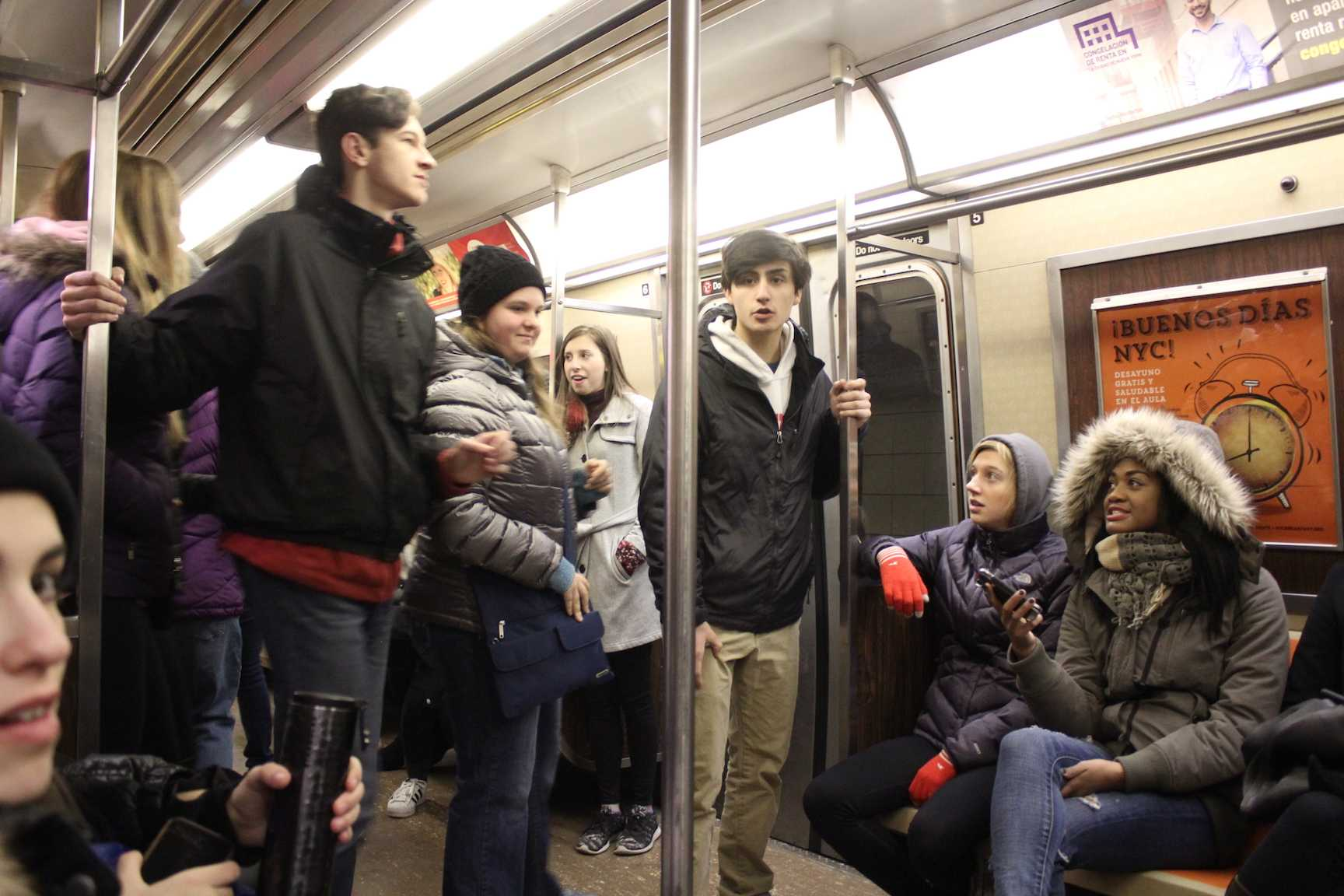 Students+riding+the+subway+to+the+9%2F11+memorial.