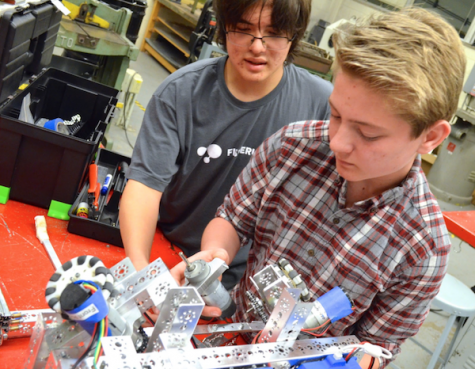 Photo gallery: Robotics Club meeting