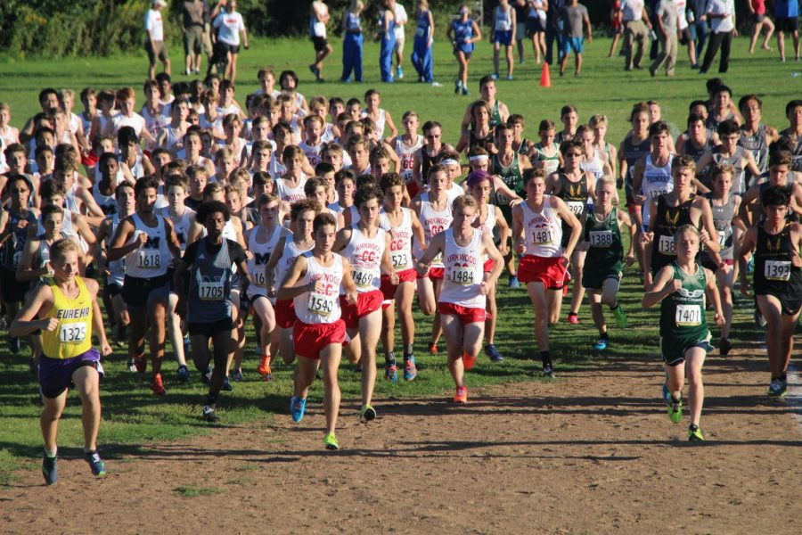 The junior varsity team takes off from the starting line.
