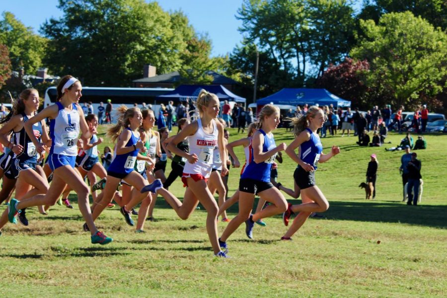 Sarah Hickenbotham, sophomore, begins the race with a strong start. She placed 10th with a time and PR of 19:26.