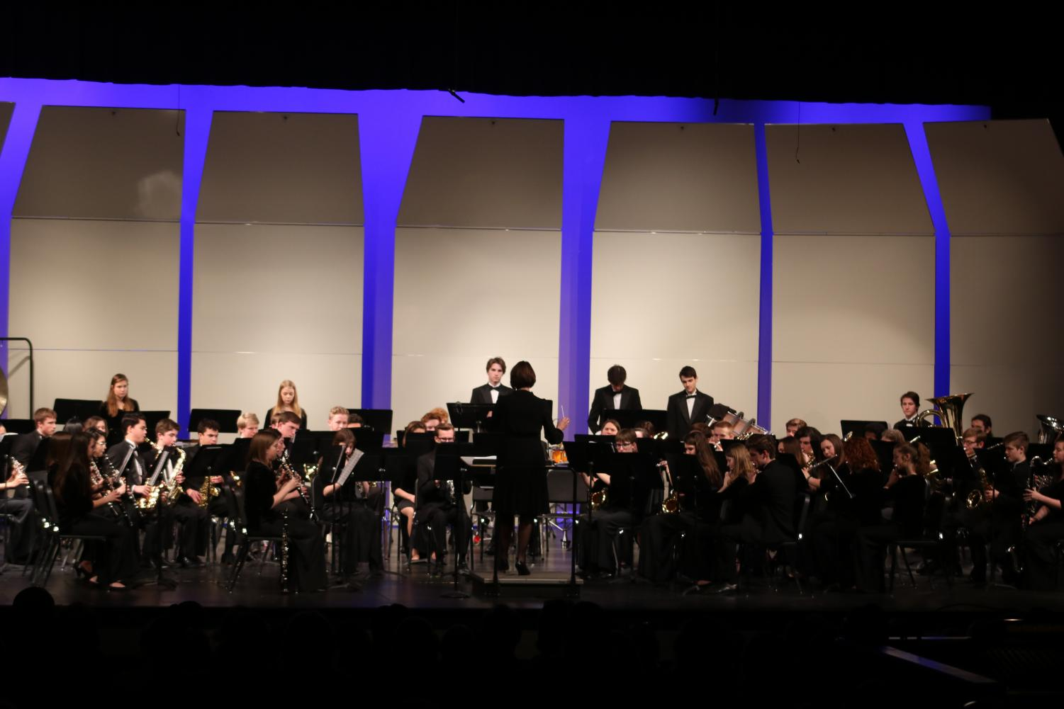 KHS+band+plays+a+song+during+the+band+concert.