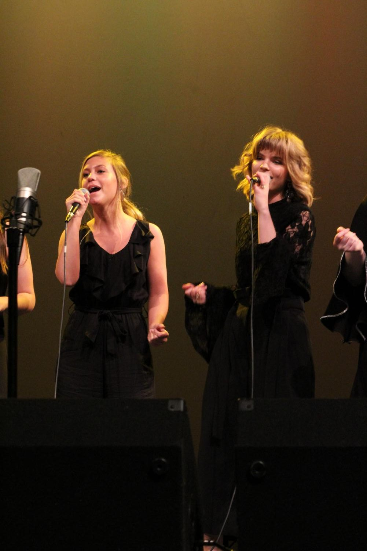 Rachel+Lees+and+Bridget+Killian%2C+seniors%2C+sing+in+the+Kaleidoscope+Vocal+Jazz+Ensemble.+