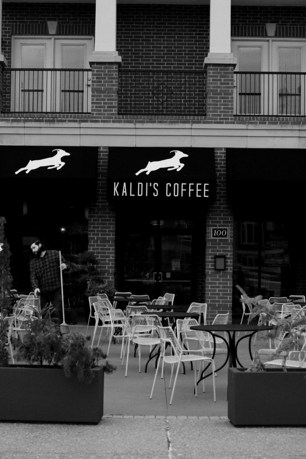 Kaldi%27s+Coffee+has+great+coffee+and+an+even+better+location+on+the+plaza.+