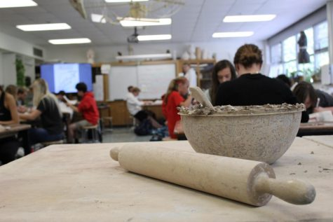 The bowl of left over clay from the 5th period projects sits in the back of the room.