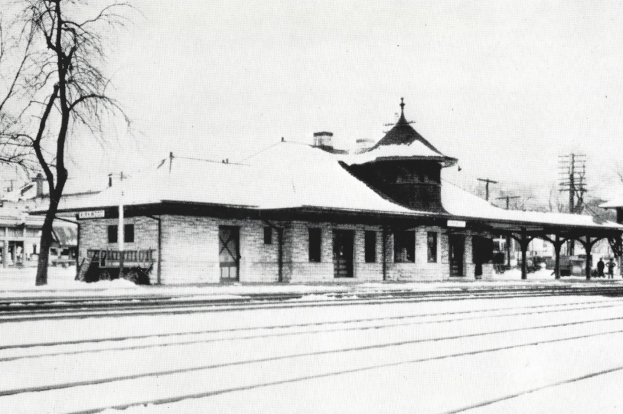 The+Kirkwood+Train+Station+viewed+from+the+railroad+tracks%2C+ca.+1900