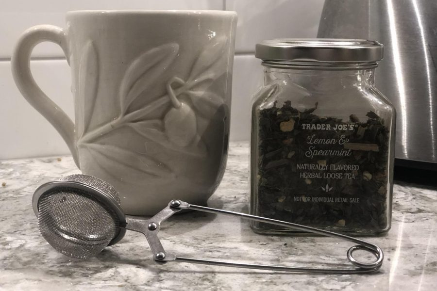 When the temperature drops it is time to put down that Starbucks iced latte, and pick up a hot coffee or tea. Read this guide to know what to do for that sore throat and what to bring to a camp fire or hockey game.