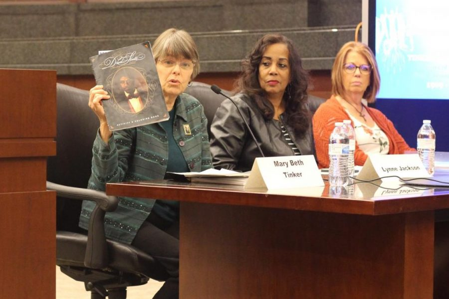 Mary Beth Tinker advocates for Lynne Jackson's book about Dred Scott.