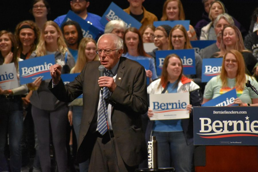 Vermont+Senator+Bernie+Sanders+traveled+to+Missouri+Monday%2C+March+9+and+spoke+to+a+crowd+at+Stifel+Theatre.