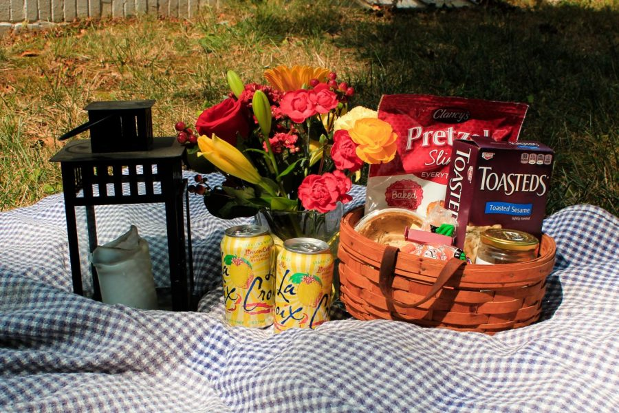 A picnic is perfect for the cooler weather.