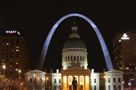 The Old Courthouse stands in front of the Arch in downtown St. Louis.