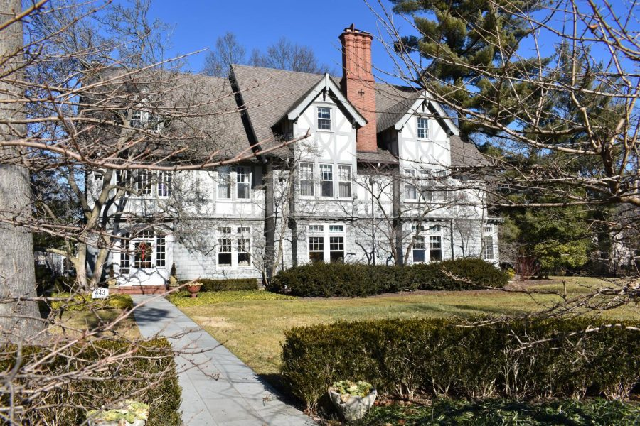 The+George+Robinson+house%2C+one+of+many+historic+estates+in+Kirkwood.