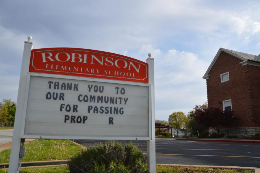 Robinson Elementary's welcome sign read