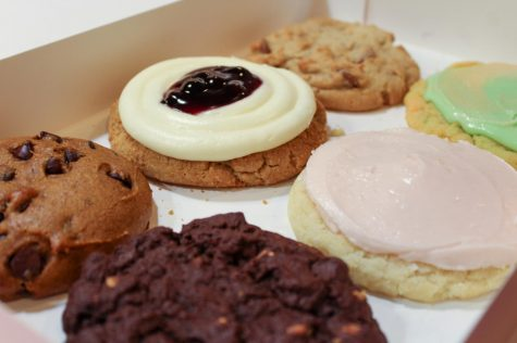 This weeks Crumbl Cookies selection houses a variety of cookie flavors.